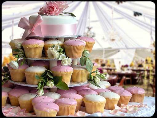 Wedding-Cake-Cupcake-stand
